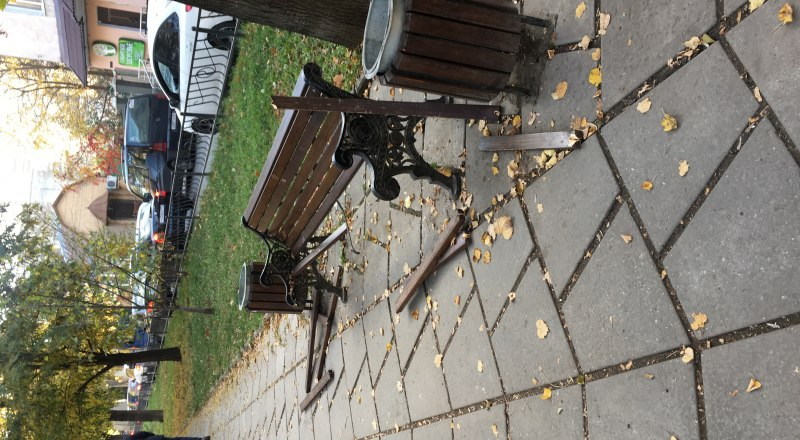Восстановление скамеек городу обойдётся дорого.