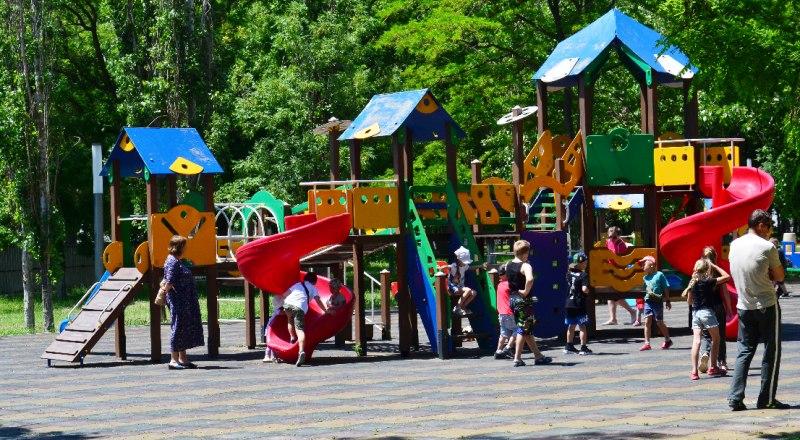 Травмы детей на площадках и аттракционах - это недопустимо.