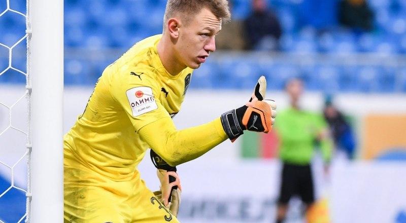 Надёжно защищает ворота «Краснодара» 20-летний вратарь Матвей Сафонов.