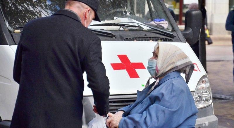 По статистике, пенсионеры являются самыми активными получателями прививки от коронавируса. Фото: Анны Кадниковой