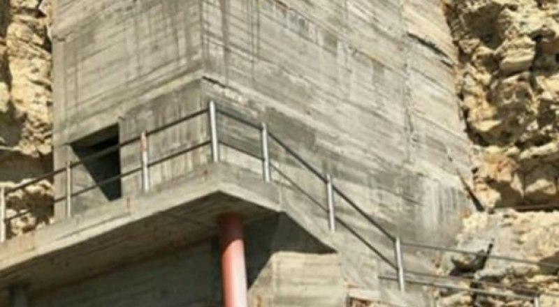Такую конструкцию кто-то решился назвать лестницей. Видимо, лестницей в ад. Фото из открытых источников.