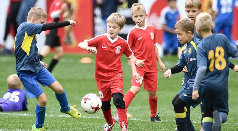 В массовом футболе остаётся надеяться вот на этих мальчишек. Не даром нынешний год в Крыму объявлен годом детского футбола!