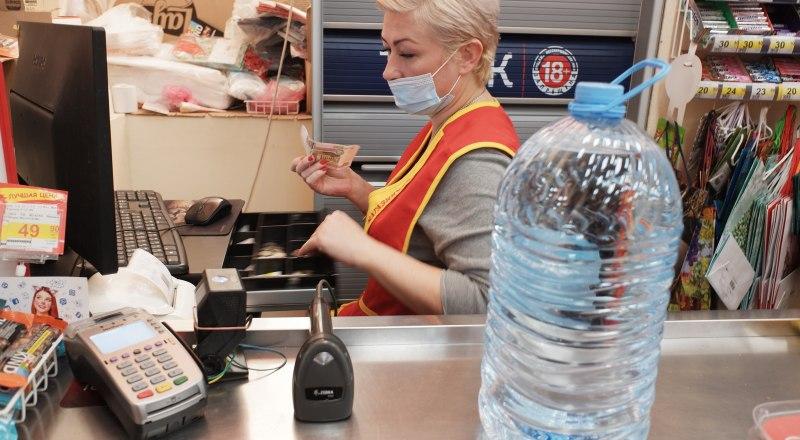 Крымские власти включили бутилированную воду в список продуктов, цены на которые регулируются государством.
