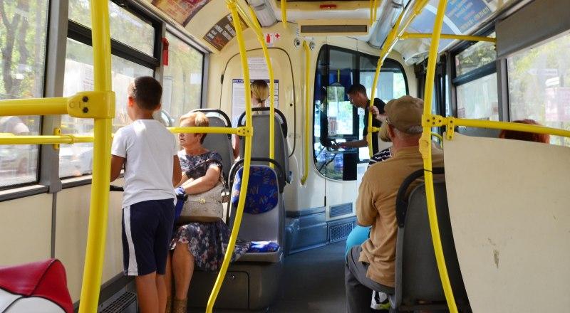 Оказывается, в троллейбусе вас может прокатить по маршруту обычный наркоман.