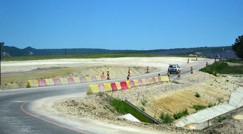 Строительство и реконструкция дорог в Крыму - один из приоритетов обновлённой версии ФЦП.