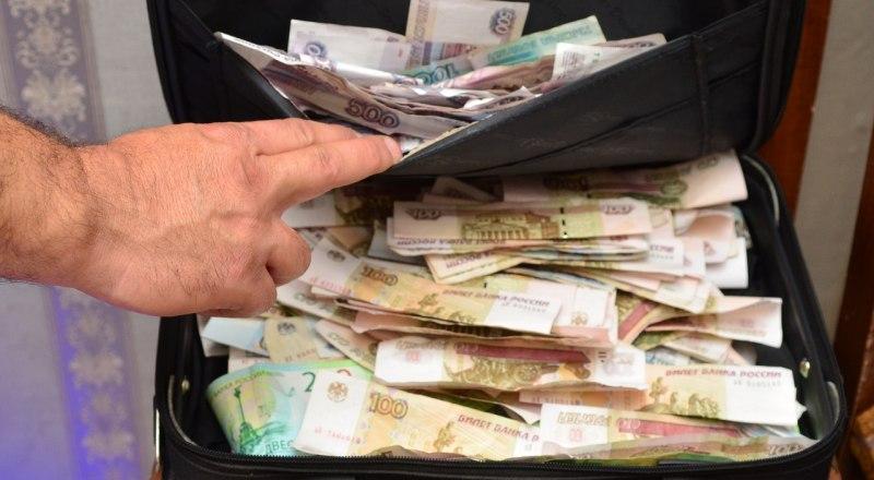 Центробанк советует хранить сбережения в национальной валюте. Тем более что рубль, наконец, укрепился.
