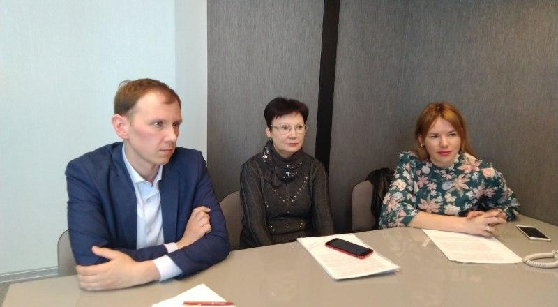 Дмитрий Прилипко, Елена Остапченко, Мария Приварская отвечают на вопросы читателей «Крымской правды».