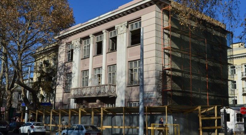 Девять лет в историческом здании, принадлежащем православной церкви, располагался Центр занятости.