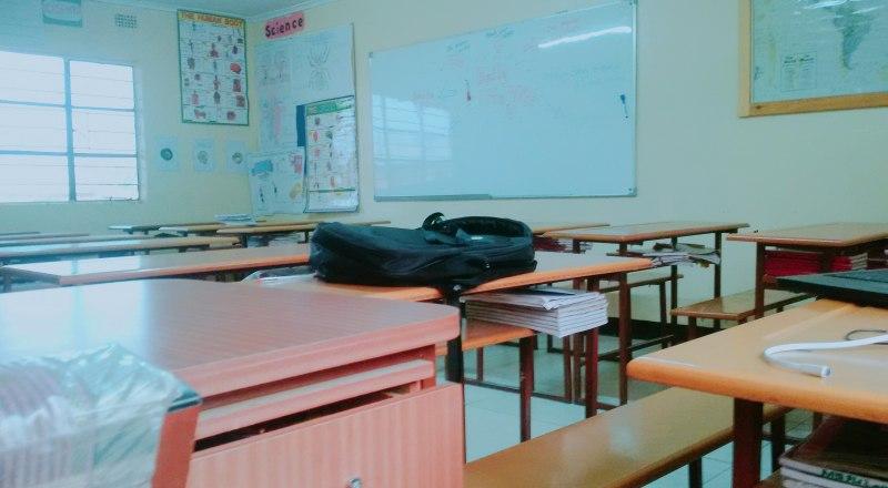 Ремонт окон и крыш в школах Крыма закончат в следующем году