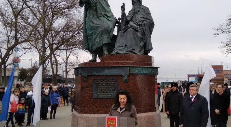 На открытии памятника.