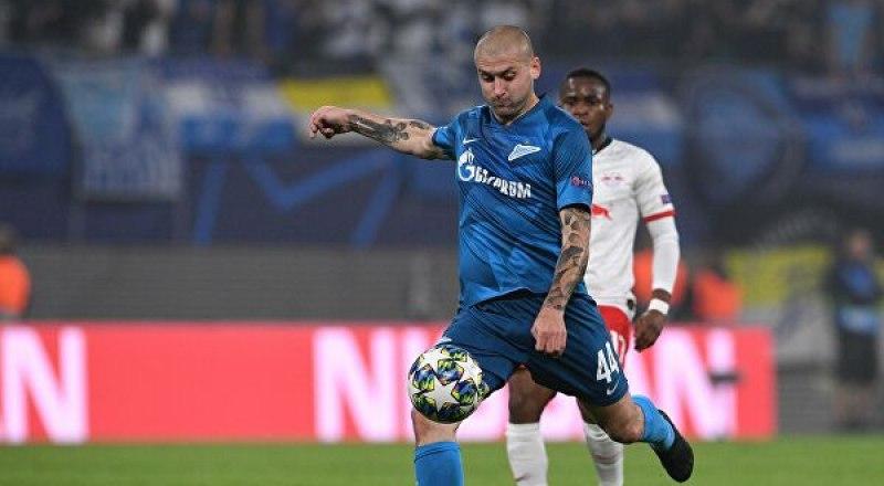 Через мгновение этот мяч, мощно пробитый питерцем Ярославом Ракицким, влетит в ворота «Лейпцига».