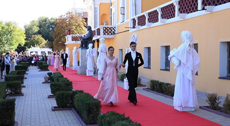 Танцевальная феерия в доме великого мариниста и мецената пройдёт уже в третий раз. Фото Виктории Ивановой.