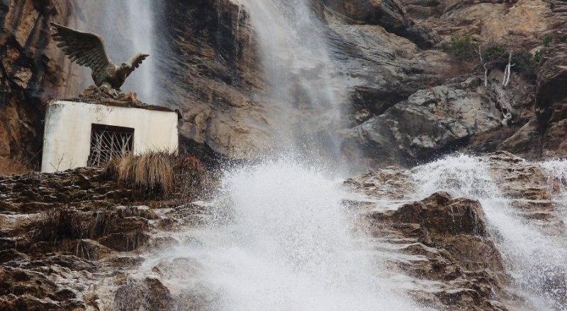 Водопад Учан-Су наполнился водой за считанные дни.