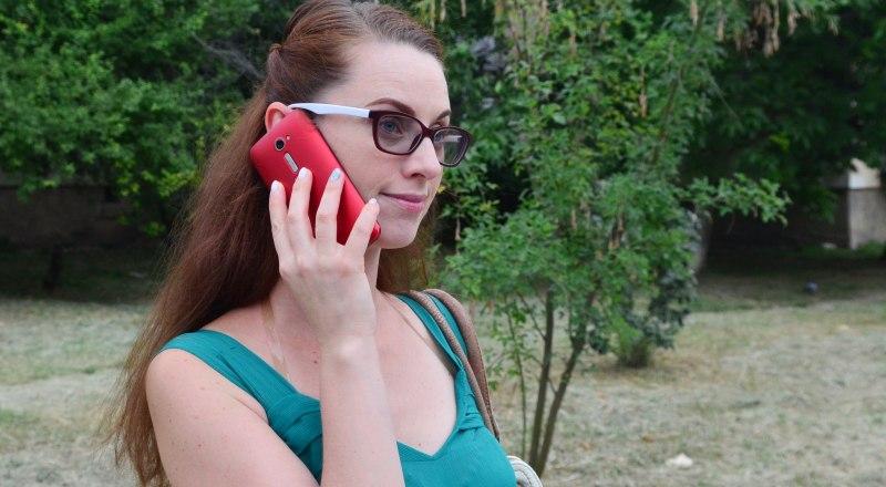 Увы, не во всех крымских ведомствах отвечают на звонки. Фото Александра Кадникова.
