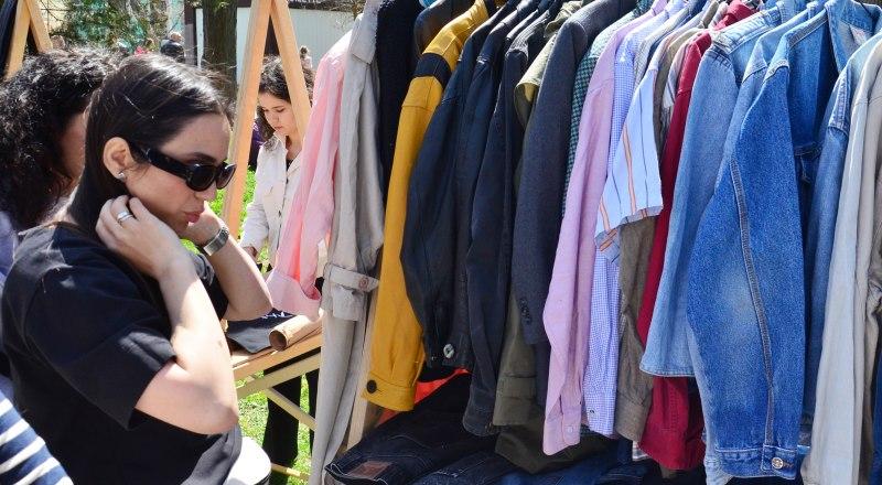 В связи с растущей инфляцией одежда и обувь этой осенью подорожают на 10%.