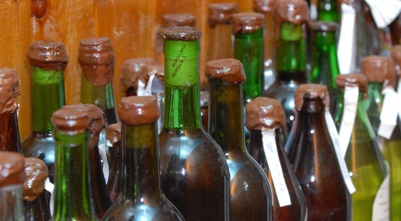 Фермеры не могут легально продавать своё вино, потому что это требует больших финансовых вложений.