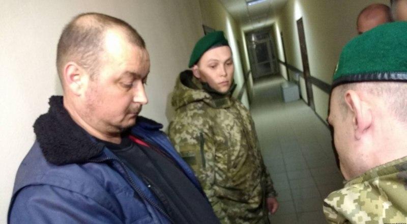 Пока стороны не договорятся, Владимир Горбенко будет находиться на территории российского посольства.