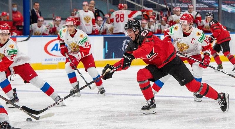 Хоккейный мир в ожидании матча молодёжных сборных России и Канады в Эдмонтоне.