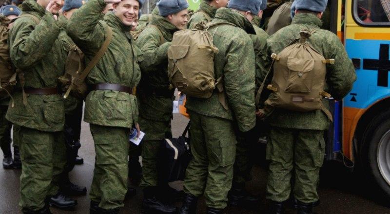 Почти половина крымских призывников будет служить в частях Воздушно-космических сил.