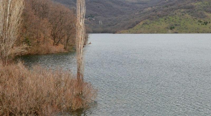 На данный момент дефицита питьевой воды в Крыму нет.