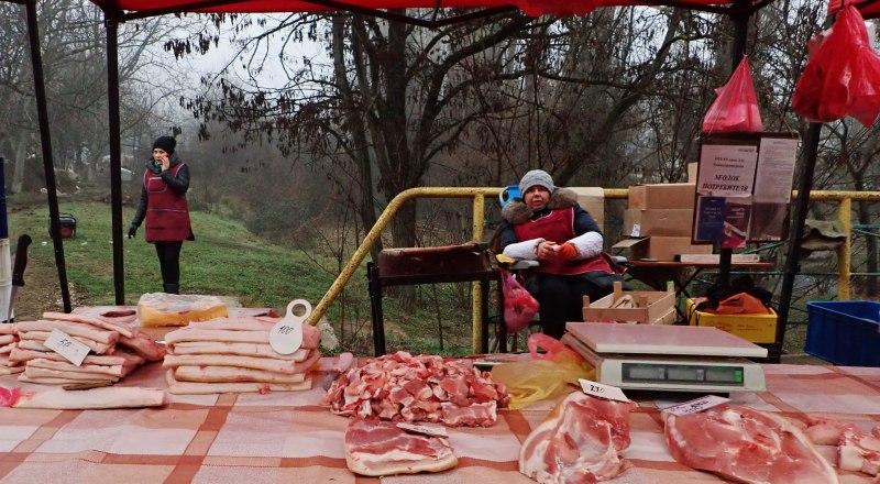 Мясо подорожает даже на ярморочных прилавках - из-за роста себестоимости.