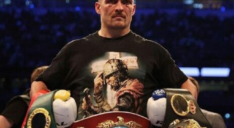 Не только лучший, но и благодарный! Александр Усик пообещал привезти четыре пояса чемпиона мира в Крым.