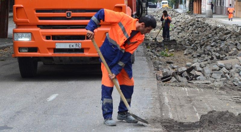 По словам Елены Проценко, в этом году будет отремонтировано дорожное покрытие более чем на 60 улицах.