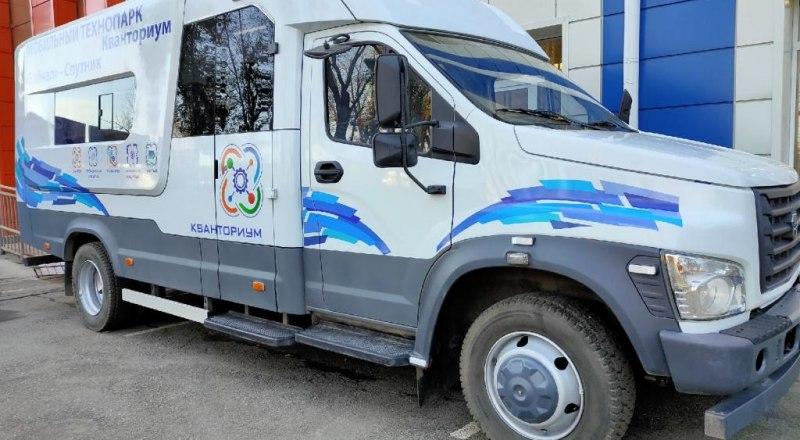 В следующем году мобильный технопарк отправится в путешествие по крымским сёлам. Фото из открытых источников.