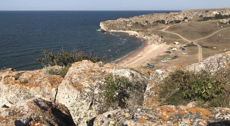 Заповедники Крыма закрыты до 31 мая для всех без исключения. Об этом снова напомнили гостям и жителям полуострова.