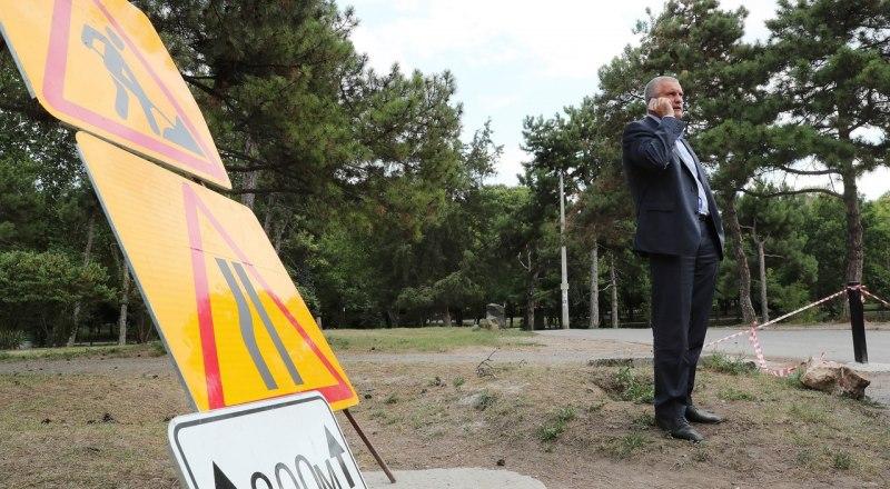 Сергей Аксёнов обещает наказать недобросовестных подрядчиков и чиновников.