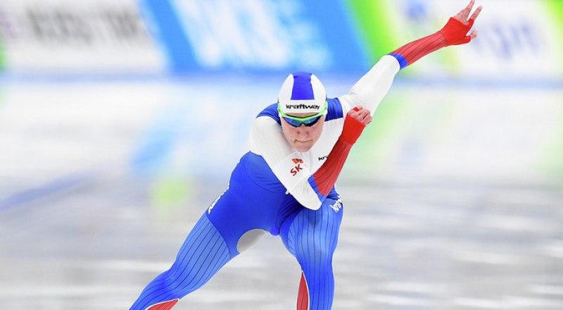 Одна из претенденток на титул чемпионки мира в Солт-Лейк-Сити на дистанции 500 м молодая россиянка Анастасия Голикова.