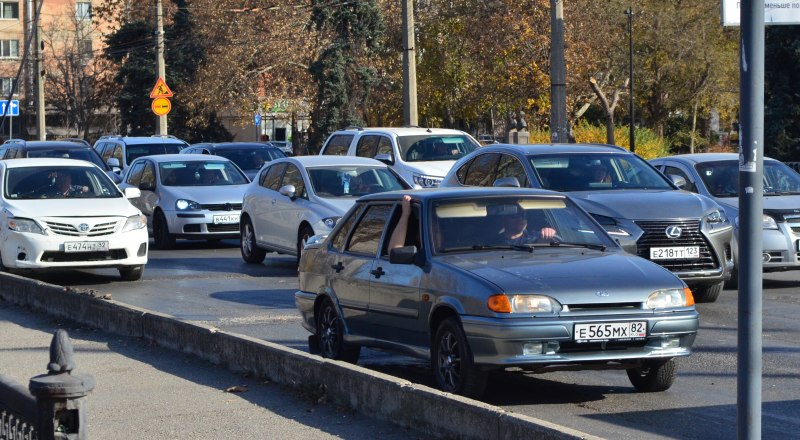 На улице Гагарина в Симферополе скоро машин не будет. Зато другие соседние улицы встанут.
