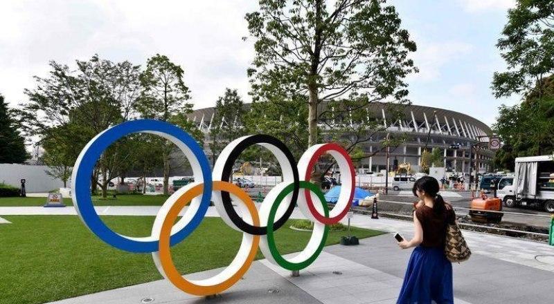 Новый стадион и гигантская Олимпийская деревня в Токио.