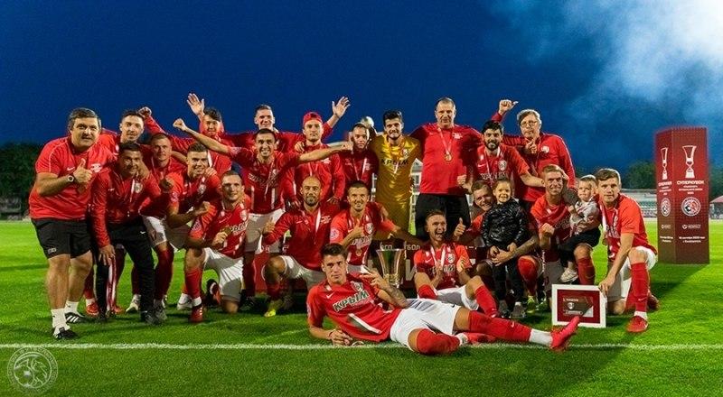 Новая радость пришла на улицу игроков и наставников «Крымтеплицы». Вслед за Кубком КФС они выиграли Суперкубок Крымского футбольного союза.