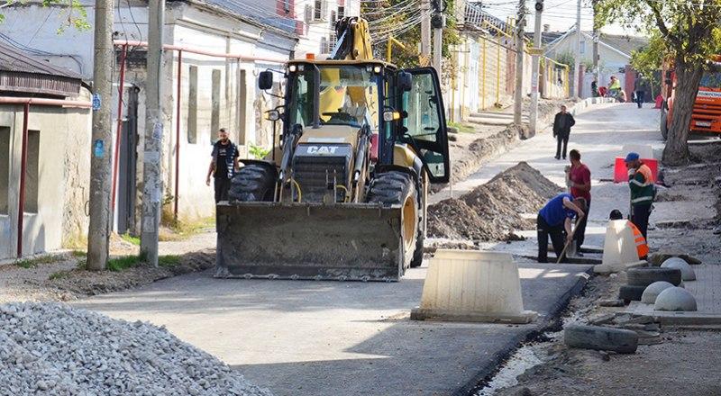 К 2024 году будет отремонтировано 80% симферопольских дорог.