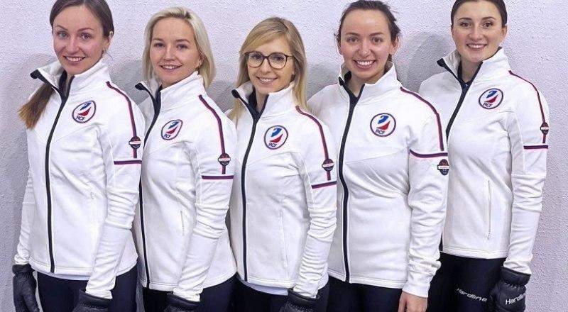Серебряный призёр чемпионата мира-2021 по кёрлингу женская сборная России.