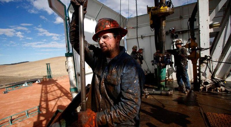 Разведанных запасов нефти России хватит минимум на 30 лет.