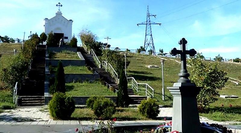 Братское кладбище русских воинов, погибших в годы Крымской войны, в Симферополе.