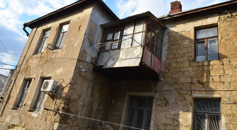 Капитальныи ремонт домов зависит от своевременности оплаты взносов. Фото Александра Кадникова.