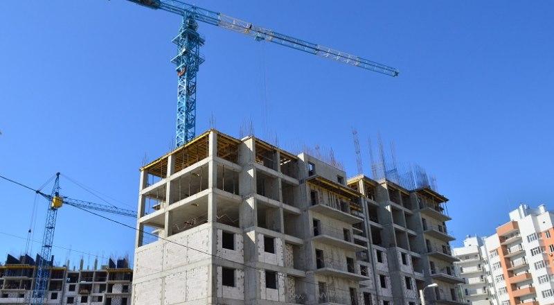 В Крыму хотят строить около двух миллионов квадратных метров жилья в год. Фото: Анны Кадниковой