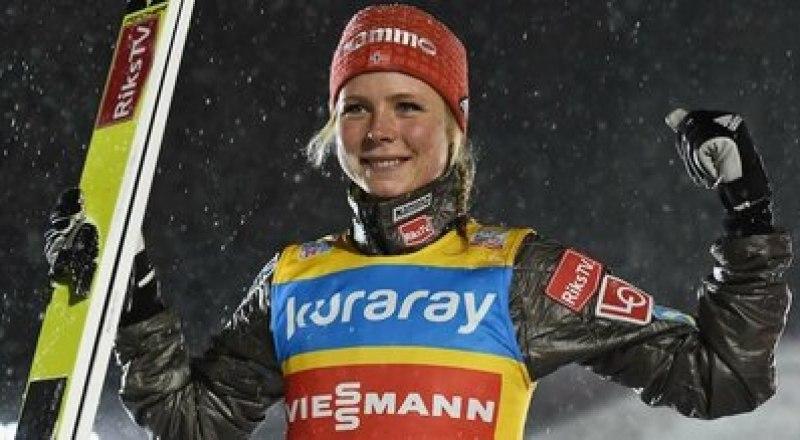 Впервые в истории зимних юношеских Олимпийских игр в прыжках с трамплина чемпионкой стала 16-летняя россиянка Анна Шпынёва.