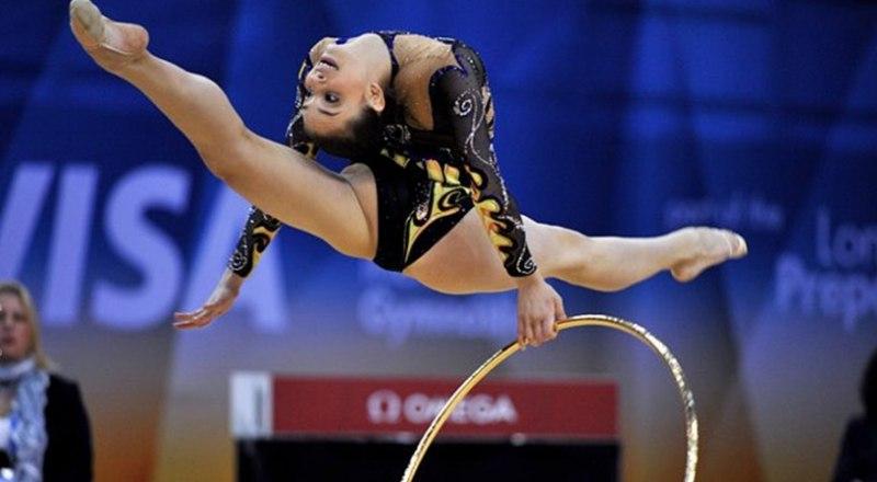 Вот так виртуозно выступала в Рио-де-Жанейро бронзовый призёр Игр-2016 по художественной гимнастике заслуженный мастер спорта Анна Ризатдинова.