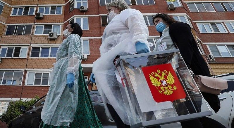 Члены участковой комиссии на дом придут по просьбе. Фото с сайта rbk.ru