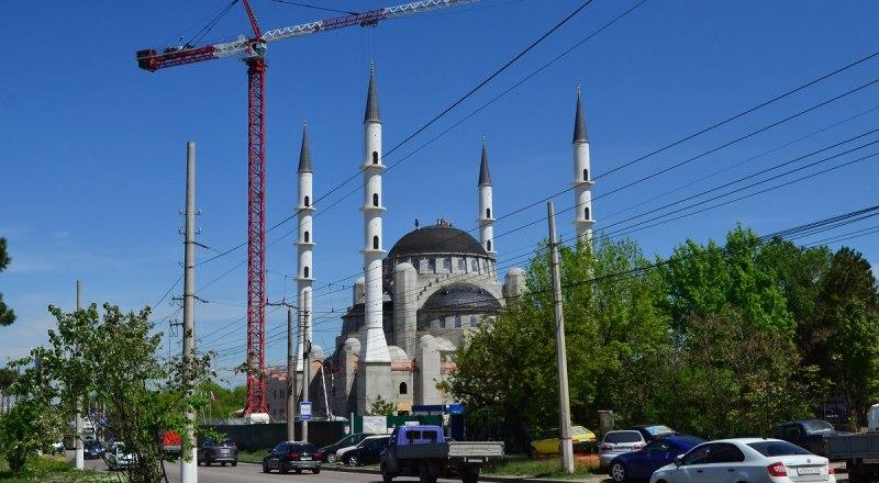 Наша мечеть будет самой красивой в Европе.