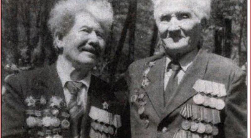 Николай Будников (слева) и Пётр Олейник - «близнецы по Победе».