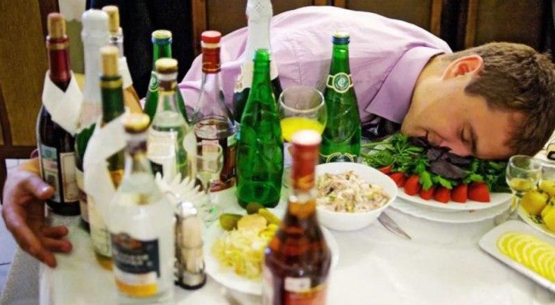 На утро после избыточных возлияний не употребляйте спиртных напитков.