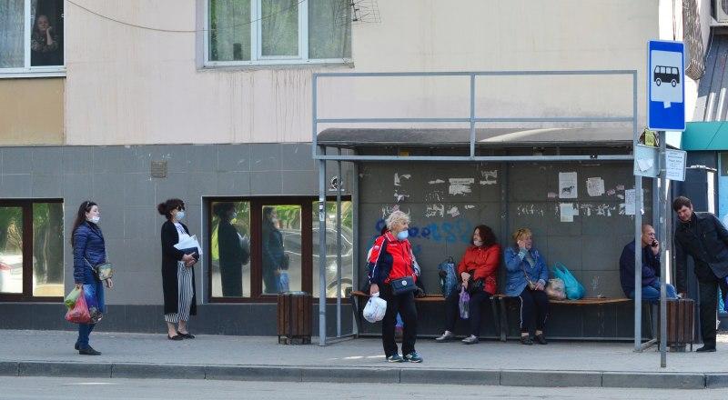 С понедельника местные власти должны увеличить количество общественного транспорта на городских маршрутах.
