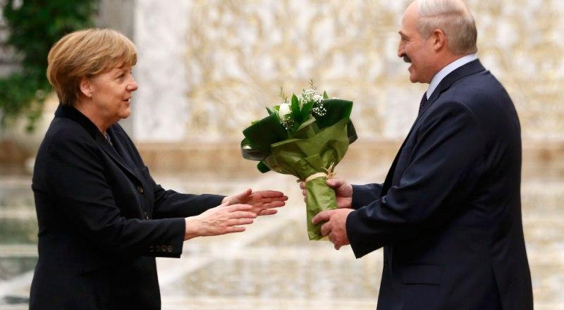 «На белорусский рынок ни шагу, через Беларусь тоже ни шагу».