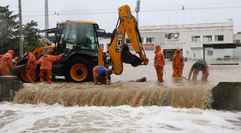 Центр Керчи опять оказался под ударом стихии.