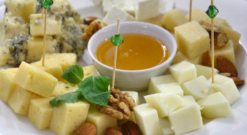 Крымские сыроделы не только освоили производство известных сортов, но и изобрели собственные.